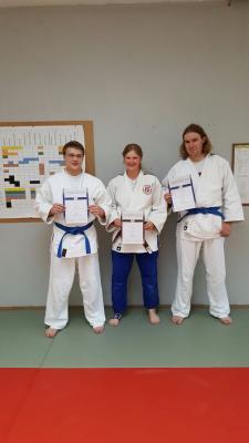 Foto zur Meldung: Trainernachwuchs erlangt neue Kyu Grade