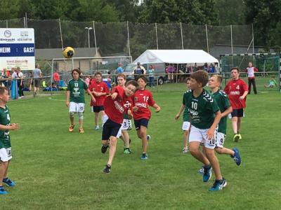 Foto zu Meldung: 18. Jugendcup des OHC: 64 Mannschaften gaben alles!