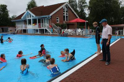 """Foto zur Meldung: """"Jedes Kind sollte schwimmen können"""""""