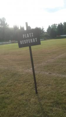 Foto zur Meldung: Sportplatz Regeneration in Bernstadt