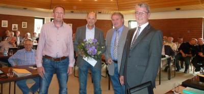 Foto zur Meldung: Rektor Michael Kaune aus der Grundschule Am See in den Ruhestand verabschiedet