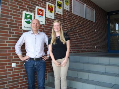 Foto zur Meldung: Neue Auszubildende im Amt Krempermarsch