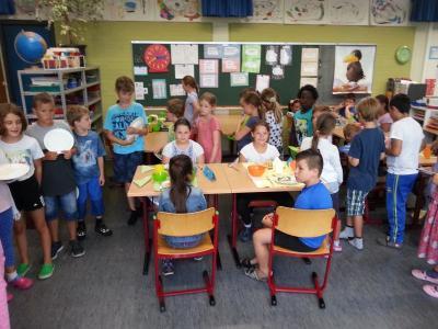 Foto zur Meldung: aid - Ernährungsführerschein in Klasse 3
