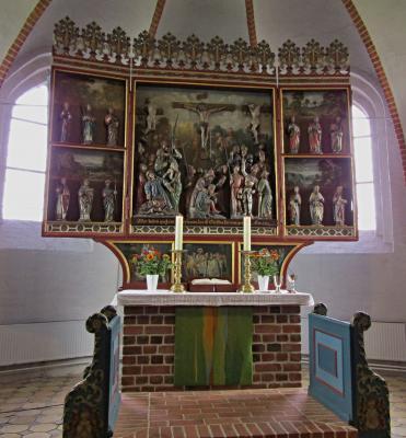 Foto zur Meldung: Altarparament in der St.Magnus-Kirche