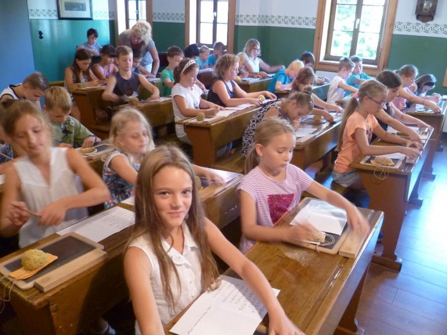 Früher Schule