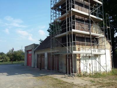 Vorschaubild zur Meldung: altes Gerätehaus in Bornsdorf wird verschönert