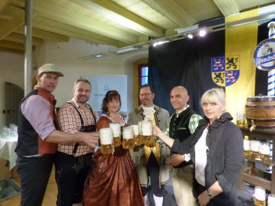 Foto zur Meldung: Verkostung des Festbieres zum 26. Theresienfestes in Hildburghausen