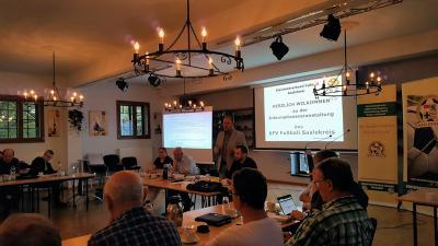 Foto zur Meldung: Informationsveranstaltung des KFV Fußball Saalekreis
