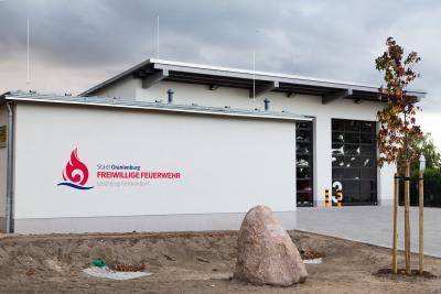 Foto zu Meldung: Freude über Zuhause für die Feuerwehr und Jugend in Germendorf