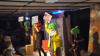 """Foto zur Meldung: Präventionstheater - """"Wenn alle genug haben, muss man sich dann noch streiten?"""""""