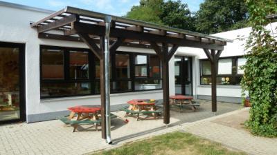 """Foto zur Meldung: Vordach für die Kindertagesstätte  """"Kleine Strolche"""" in Velpke"""