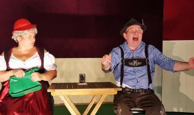 Foto zur Meldung: Mit Trick 17 auf die Bühne im Theater Zielitz – zauberhafte Komödie jetzt im neuen Haus