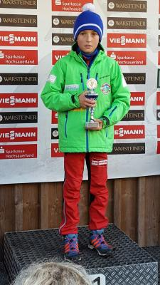 Foto zur Meldung: Medaillenränge beim Warsteiner-Pokalsprunglauf