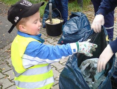 Foto zur Meldung: Herbstputz in Nauheim - Tag der sauberen Umwelt am 5. November