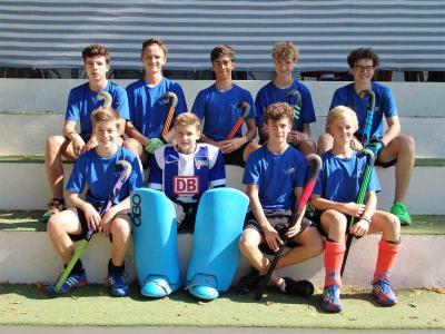 Foto zur Meldung: 22 Tore  und 12. Platz im Bundesfinale Hockey für die Jungen des Evangelischen Gymnasiums Hermannswerder!