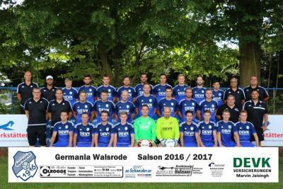Foto zur Meldung: I. Herren - Neue Saison - Neues Mannschaftsfoto