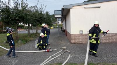 Foto zur Meldung: Schnuppertag der Frauengruppe der Feuerwehr Oberneisen