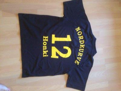 Foto zur Meldung: Fanshirts des TSV im Angebot