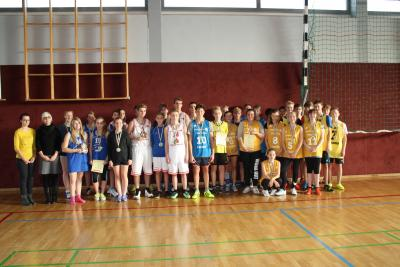 Foto zur Meldung: Jugend trainiert, Basketball WK II m + w in Lauchhammer
