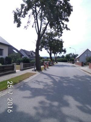 Foto zur Meldung: 2017 Gehwegsanierung Volkmarsdorfer Straße 11-15 und Parkstraße in Rümmer
