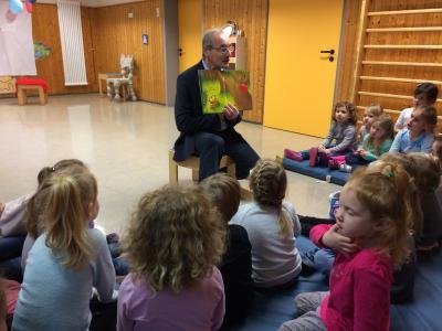 Foto zu Meldung: Vorlesetag im Kindergarten