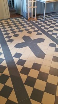 Foto zur Meldung: Fußboden in Kirche saniert