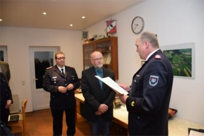 Foto zur Meldung: Ordnungsamtsleiter hat die Deutsche Feuerwehr-Ehrenmedaille erhalten