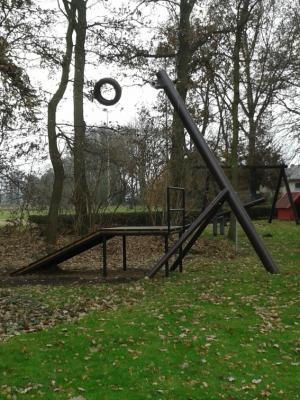 Foto zu Meldung: Übernahme des Spielplatzes am Sportplatz in Wahrstedt