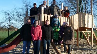 Foto zur Meldung: Eröffnung des neuen Spielturms in Volkmarsdorf