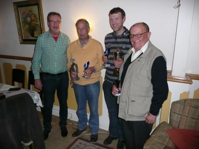 Foto zur Meldung: Tarbeks Bürgermeister gewinnt den Skat-Pokal