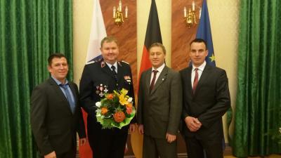 Foto zur Meldung: Thüringer Ehrenpreis für Feuerwehrmann René Scharfenberg