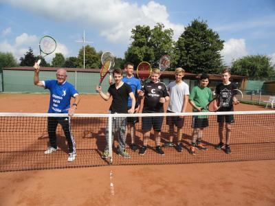 Foto zu Meldung: Seit 2005 erfolgreiche Tennis AG