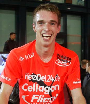 Foto zur Meldung: Florian Herr gewinnt Bonner Silvesterlauf