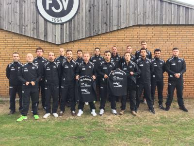 Foto zur Meldung: Neue Trainingsanzüge für Fussball - Herren