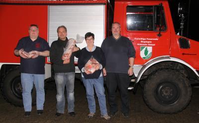 Von links nach rechts: OrtsBM Jörg Siemsglüß, Bernd Bodenbinder, Ulrike Schlüter, stellvertretender OrtsBM Ralf Siemsglüß.(Foto: H. Quast