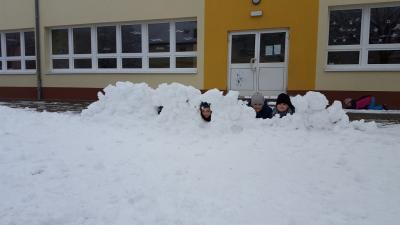 Foto zu Meldung: Schneemann bauen und Schneeballschlacht