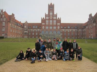 Foto zur Meldung: Die 6d besucht die Marineschule
