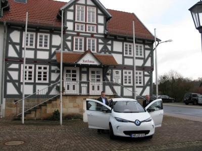Foto zur Meldung: Gemeinde Ottrau fährt emissionsfrei