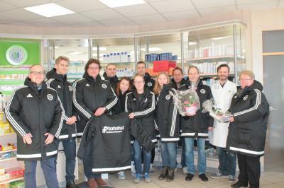 Foto zur Meldung: Winterjacken für Trainer und Betreuer