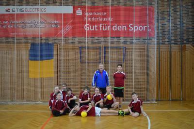 Foto zur Meldung: Jugend trainiert, Zweifelderball Vorrunde  Kl. 5 / 6 mix in Lübbenau