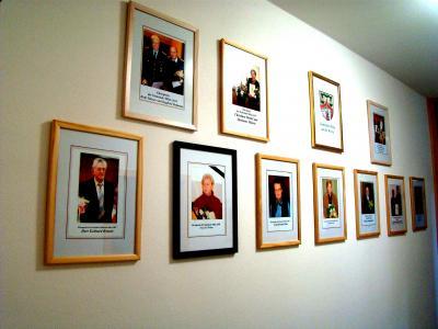"""Vorschaubild zur Meldung: """"Ehrenwand"""" im Mihlaer Rathaus wächst"""