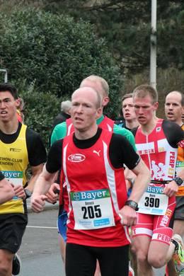Foto zur Meldung: Dennis Klusmann läuft Halbmarathon in Bestzeit