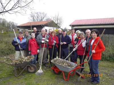 Foto zu Meldung: SPD Ortsverein in Holzwickede hilft den Kleingärtnern beim Frühjahrputz