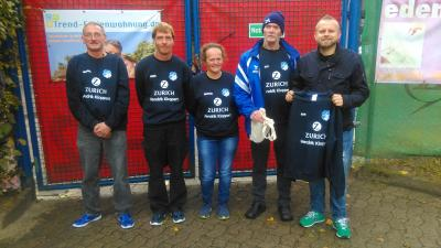 Foto zur Meldung: Ordner-Dienst erhält neue Sweatshirts