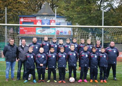 Foto zur Meldung: E1-Jugend - Neue Regenjacken