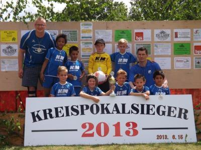 Foto zur Meldung: F2-Jugend - Kreispokalsieger 2013 - Titel erneut errungen