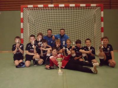 Foto zu Meldung: E2-Jugend - Gewinnt großen Wanderpokal beim VfB Vorbrück