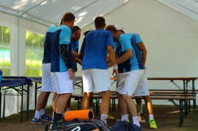 Vorschaubild zur Meldung: Tennisherren übernehmen die Spitze
