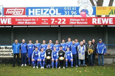 Foto zur Meldung: I. Herren - Mannschaftsfoto 2010