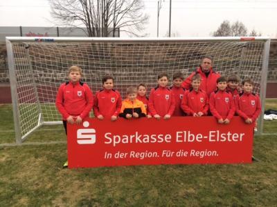 Foto zur Meldung: Sparkasse Elbe Elster unterstützt ESV Nachwuchs mit zwei neuen Toren